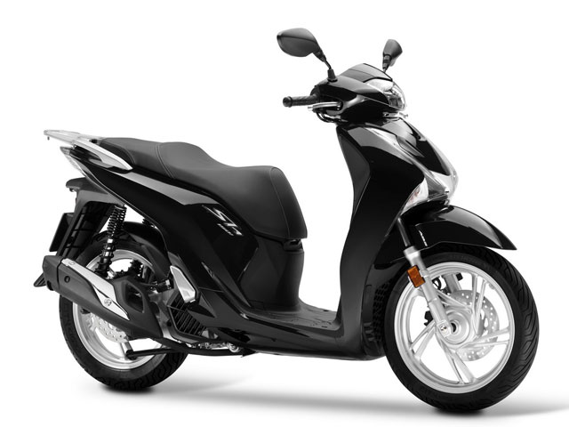 Rent a Honda SH150i in Lefkada