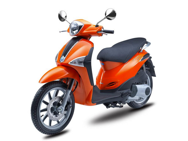 Rent a Piaggio Liberty in Lefkada